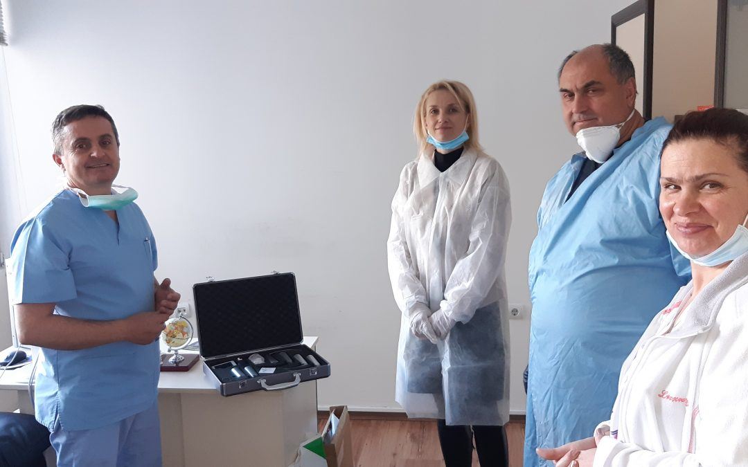 "МБАЛ ""Д-р Братан Шукеров"" получи дарение видеоларингоскоп"